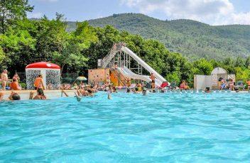 Vous-souhaitez-passer-des-vacances-luxueuses-en-Cévennes-_-Le-camping-Les-Plans-vous-ouvre-ses-portes