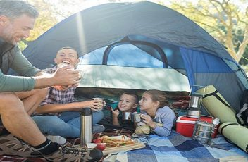 Pourquoi-le-camping-plait-il-tant-aux-familles